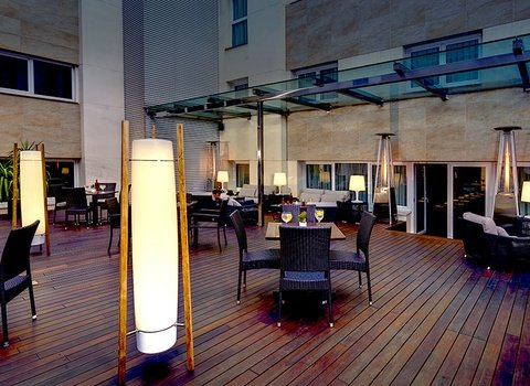 Discover the Sercotel Coliseo Bilbao terrace in the centre of ...