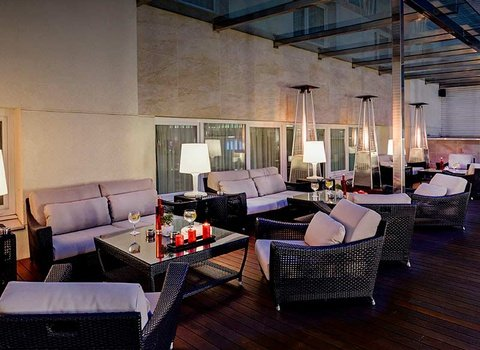 Discover the terrace at the Sercotel Coliseo Bilbao in the ...